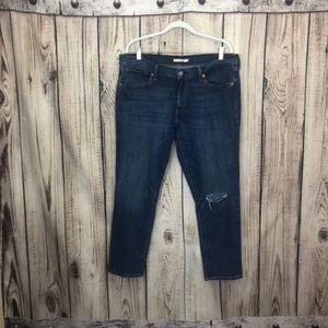 Levi's Boyfriend Medium Wash Jeans Size 33